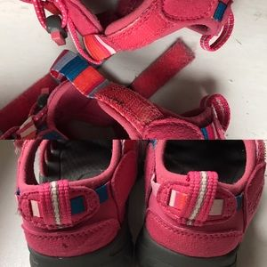 Keen Shoes - Keen pink water shoes